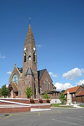 CR200808 France Bouzincourt Eglise.jpg