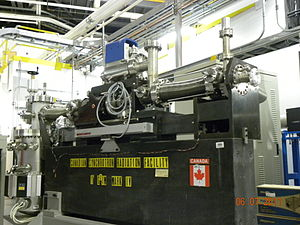 Canadian Light Source - The monochromator from the first CSRF beamline, now a museum piece at the CLS