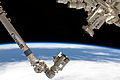 Canadarm2 approaching grapple fixture - uncropped.jpg