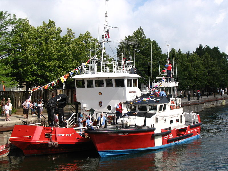 File:Canadian Coast Guard vessels, Owen Sound 2.jpg