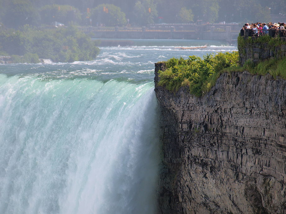 Canadians watching the Horseshoe Falls