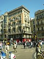 Casa Bruno Cuadros des de l'autobús P1370925.jpg