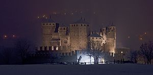 Fénis Castle - Image: Castello Fenis Notte 1 3