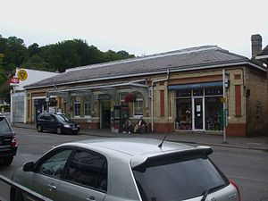 Caterham railway station - Image: Caterham station building