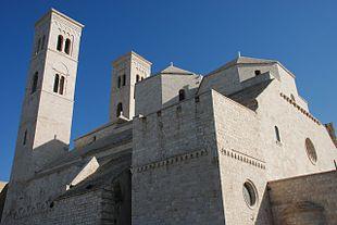 Il Duomo di San Corrado.