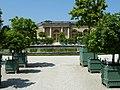 Château de Versailles orangerie colonnes et bassin.jpg