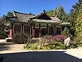 Changgyong Pavilion at Pohyonsa.jpg