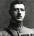 Charles de Gaulle vers 1922-1924.jpg
