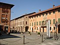Cherasco municipio e piazzaantistante.jpg
