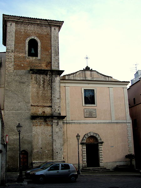 File:Chiesa Santa Chiara (Isernia).JPG