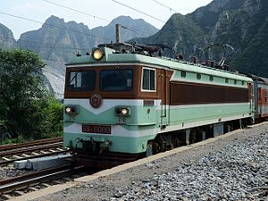 Fengtai–Shacheng Railway - The K729 train from Ganzhou to Datong on the Fengsha Railway in Mentougou District of western Beijing.