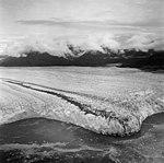 Columbia Glacier, Calving terminus, August 24, 1968 (GLACIERS 1006).jpg