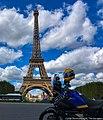 Com a moto em Paris.jpg