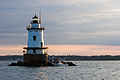 Conimicut Lighthouse in 2006.jpg
