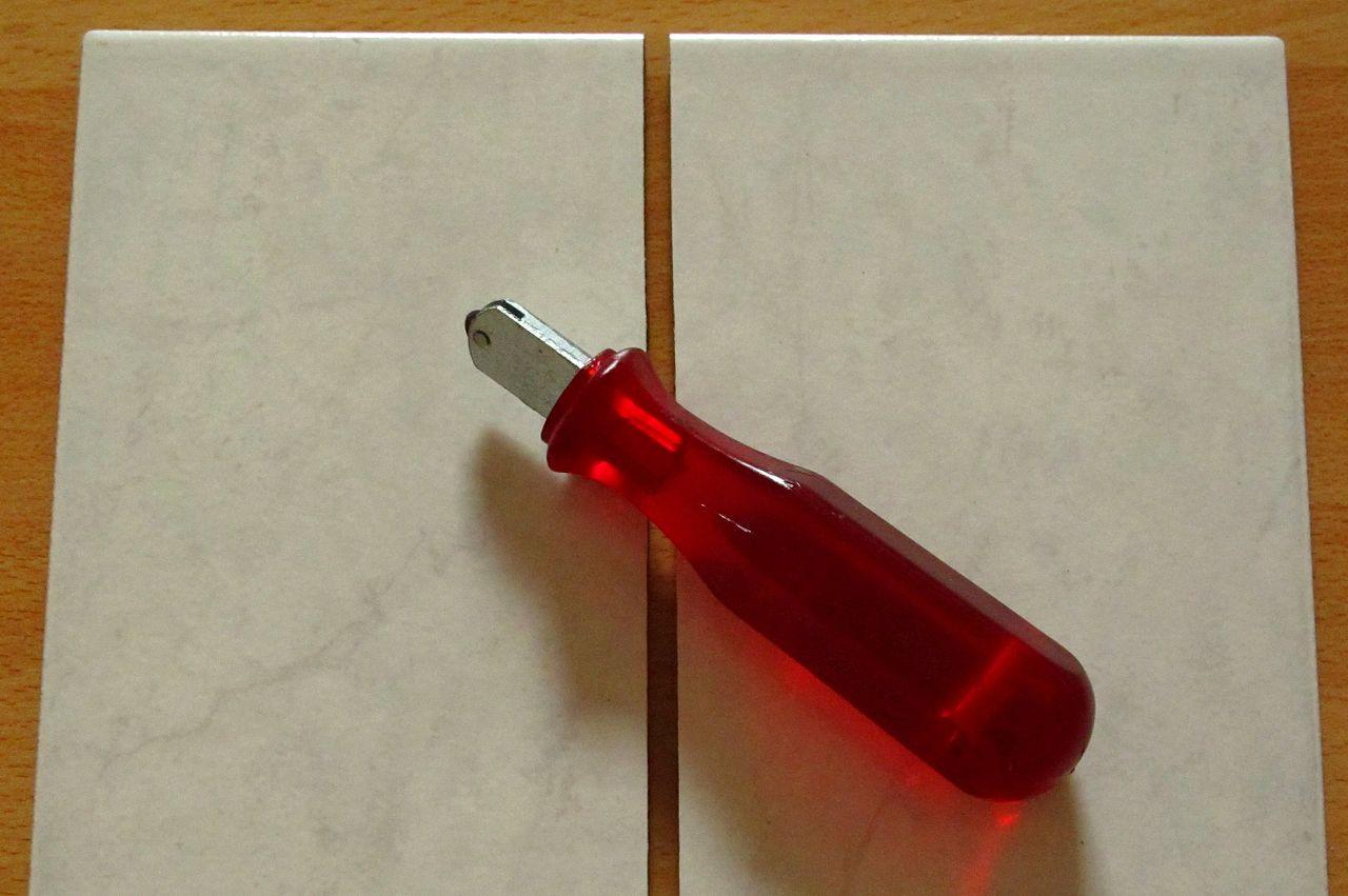 Ceramic tile cutter wikiwand dailygadgetfo Choice Image