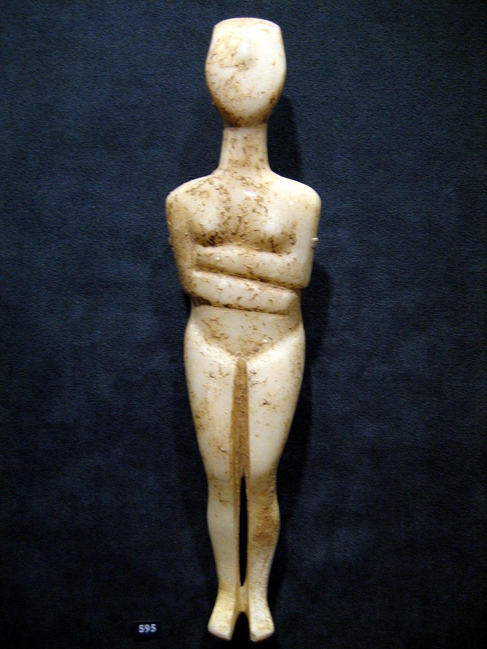 Cycladic female figurine 3