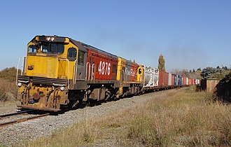 New Zealand DC class locomotive - DCs 4876 and 4726 approaching Waipara with a freight train in April 2016.