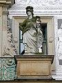 DD-Schlosshof-Portal-3-PallasAthene.jpg