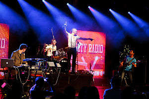 Dirty Radio - Image: DR Live 1 (Photo by J. Evans)