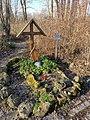 Das Heldengrab bei Gersthofen am Europaweiher.jpg