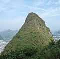 Das berühmteste Wahrzeichen Südchinas sind die pittoresken Karstberge. - panoramio.jpg