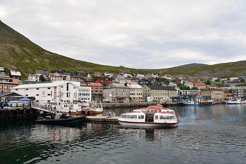 File:Day Six of the Hurtigruten Coastal Voyage North - the far north of Norway (29).jpg