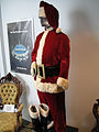 "Debbie Reynolds Auction - Edmund Gwen ""Kris Kringle"" Santa Claus outfit from ""Miracle on 34th Street"" (5851596795).jpg"
