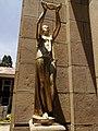 Detalles del mausoleo de la beneficencia española CBBA HJK.jpg