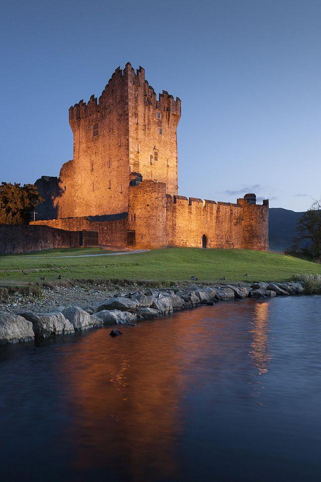 Dvorci koje verovatno nikada nećete posedovati - Page 3 640px-Digital_Eye-2012-Ross_Castle-1
