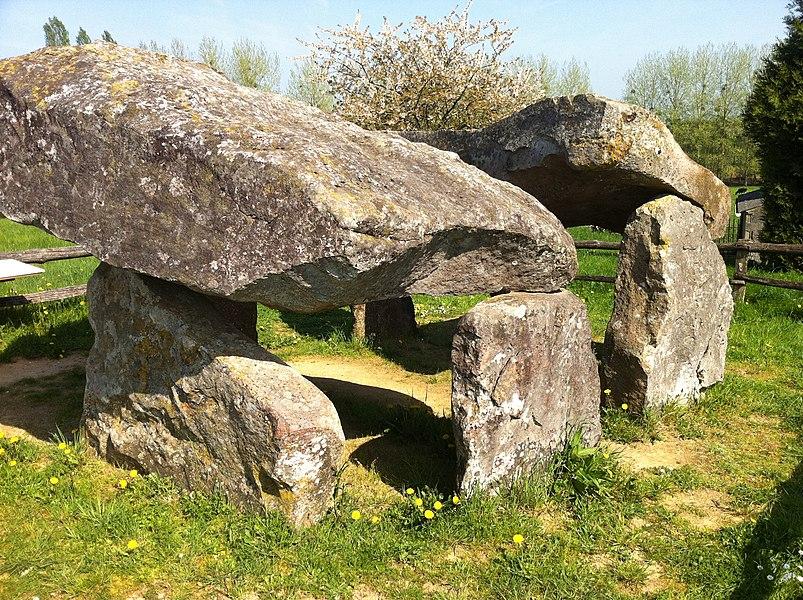 Dolmen des Erves près de Sainte-Suzanne (Mayenne)