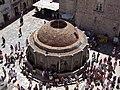 Dubrovnik - wielka fontanna Onufrego - Onufry Big Fountain - panoramio.jpg