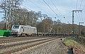 Duisburg Akiem 37053 met platte staalwagens (24784824724).jpg