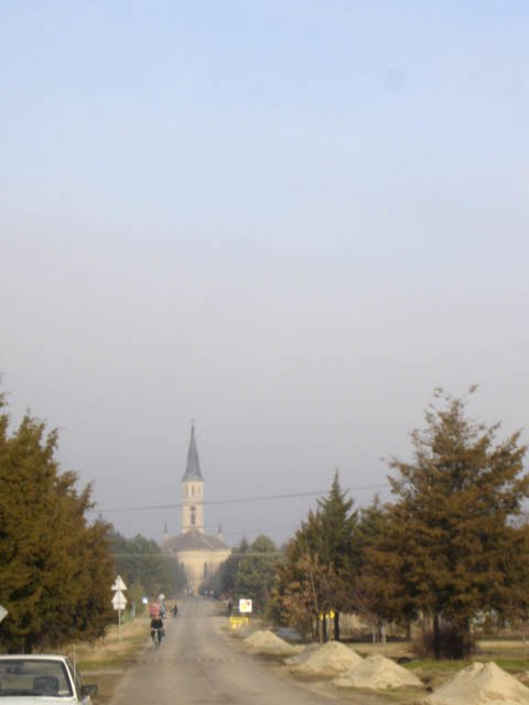 Ečka, main street and the Catholic Church