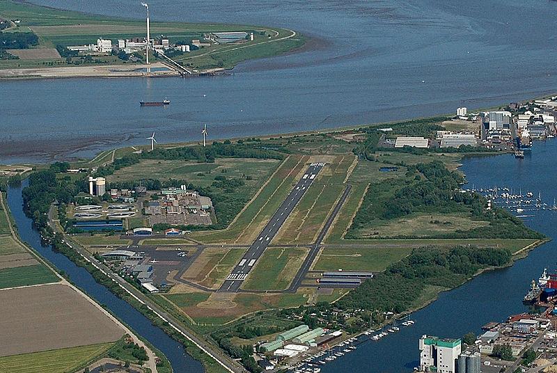 800px-EDWB_airfield_2012-05-28_Fotoflug_