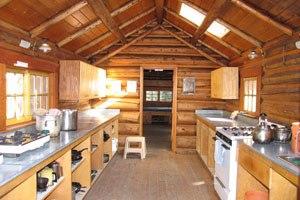 Elizabeth Parker hut - Elizabeth Parker Hut - Kitchen