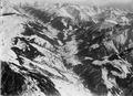 ETH-BIB-Das obere Rhonetal, links oben das Goms, Blick von Brig ins Oberwallis aus 3900 m-Inlandflüge-LBS MH01-000377-02.tif