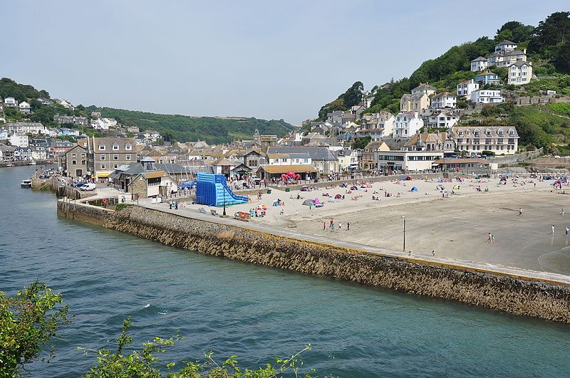 File:East Looe Beach and the mouth of the River Looe (9899).jpg