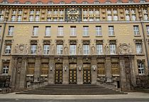 Eingang Deutsche Nationalbibliothek Leipzig.jpg