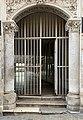 Entrée d'une galerie rue Fécauderie (Auxerre).jpg