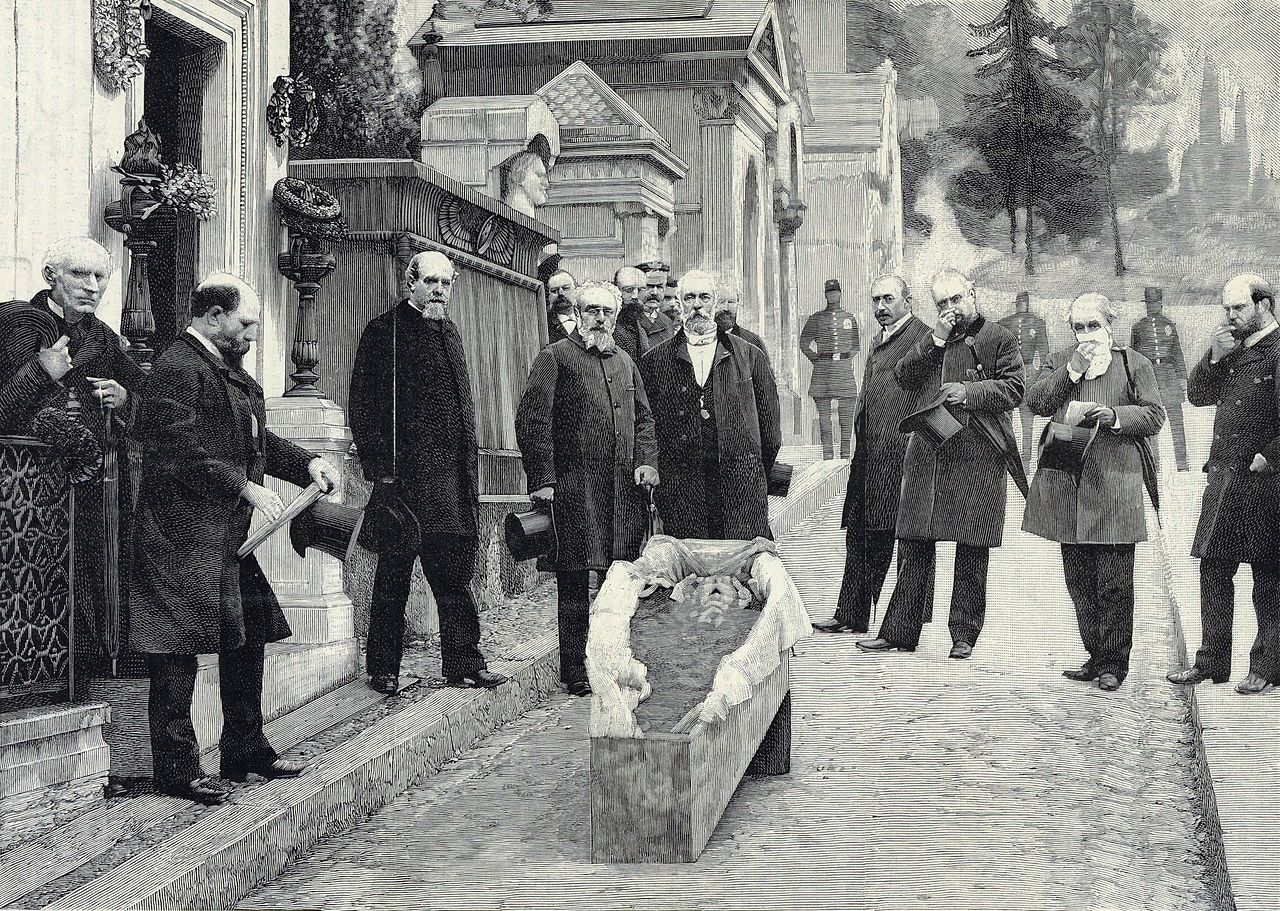 The Stories Behind 5 Famous Exhumations | Mental Floss