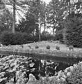 Exterieur kloosterpark, vijver met kruisbeeld - Wittem - 20320885 - RCE.jpg