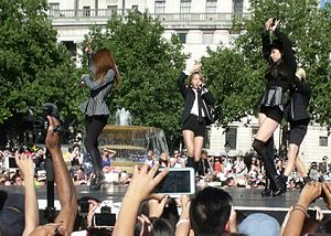 F(x) (band) - F(x) performing as a 4-piece group in Trafalgar Square, in August 2015.
