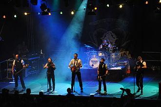 "Fiddler's Green (band) - Fiddler's Green performing at the ""Folk am Neckar"" folk festival 2013 in Neckarelz"