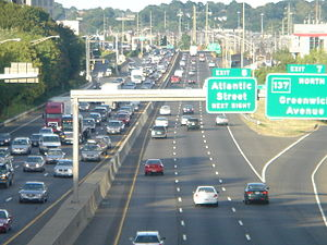 Interstate 95 in Connecticut - Image: Fairfield Ave overpass 3