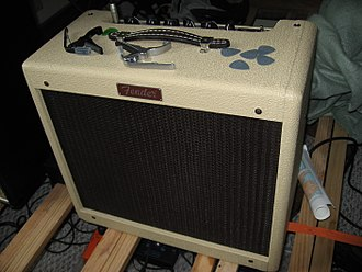 Fender Blues Junior front view