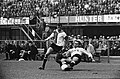 Feyenoord tegen DOS 4-2 Coen Moulijn in duel met Liptak van DOS, Bestanddeelnr 915-5078.jpg