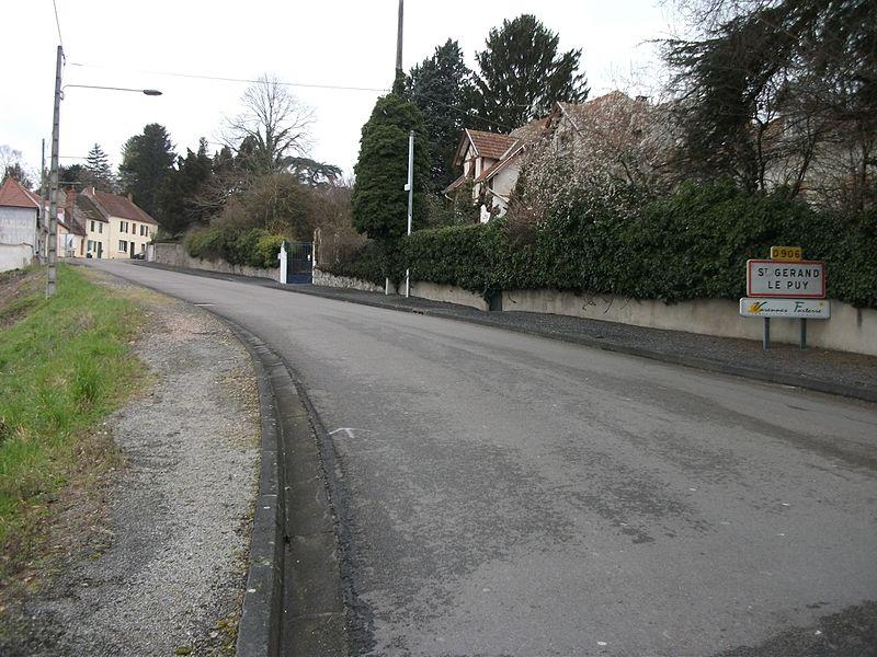 End of former departmental road 906 (officially renamed D 906E part 2) in Saint-Gérand-le-Puy, Allier, Auvergne-Rhône-Alpes, France [10248]