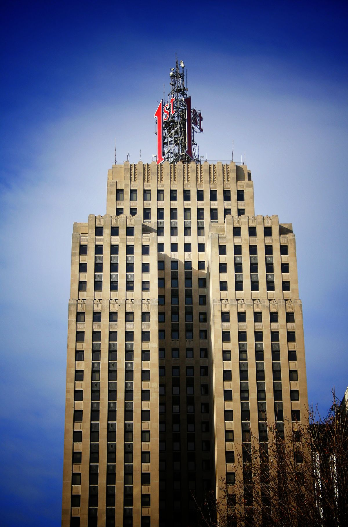 First national bank building saint paul minnesota for Builders first