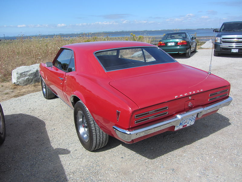 File:Flickr - Hugo90 - Not in the Crescent Beach Concours.jpg
