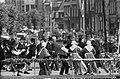 Folkloristisch festival te Bolsward, overzicht optreden Bolswarder Skotsploeg me, Bestanddeelnr 914-1899.jpg